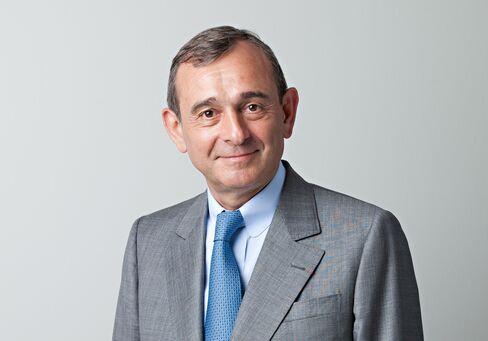 Claude Dauphin.