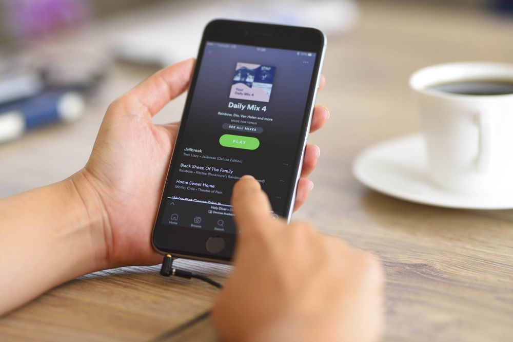 With These Playlists, Never Worry About What to Play at a Party Again