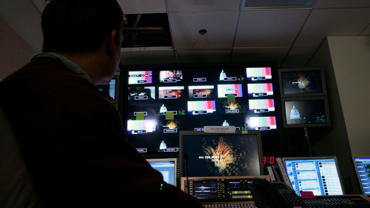 Shut Al-Jazeera, Isolate Iran: 13 Demands on Qatar to End Crisis – Bloomberg