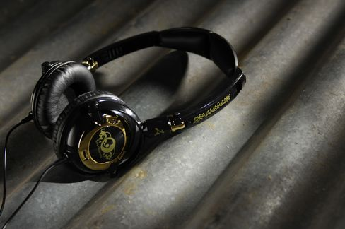 Skullcandy Turns Takeover Target After IPO Tumbes 66%