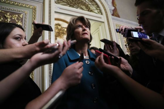 Murkowski to Vote 'Present' on Kavanaugh as Favor to Colleague