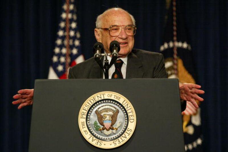 Πού ήταν λάθος και πού σωστός ο Milton Friedman πριν από 50 χρόνια