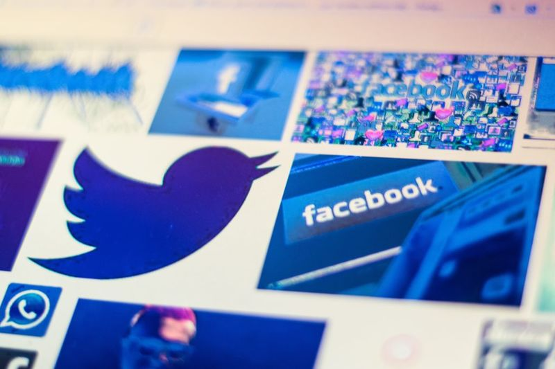 Facebook And Twitters Valuations Are Baffling Bloomberg