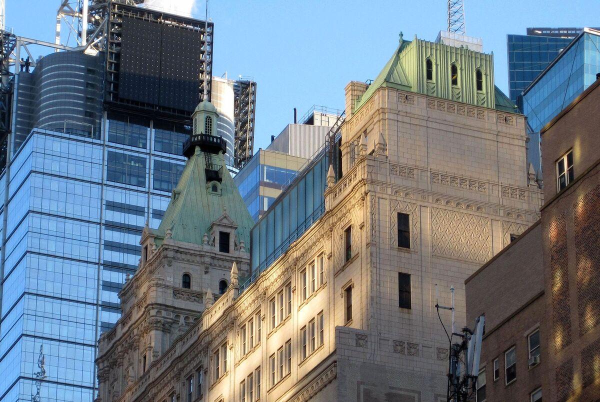 Kushner Family's Times Square Property Moves Toward Foreclosure