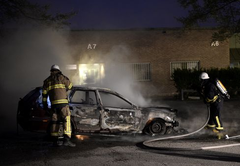 Swedish Police Arrest Eight as Husby Riots Spread in Stockholm