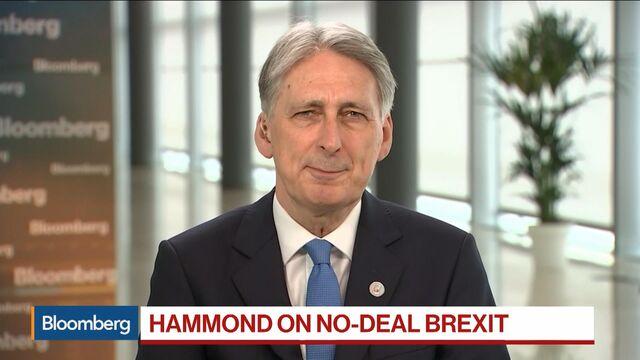 Brexit Talks Get More Hostile as EU Considers Sweeteners to Deal