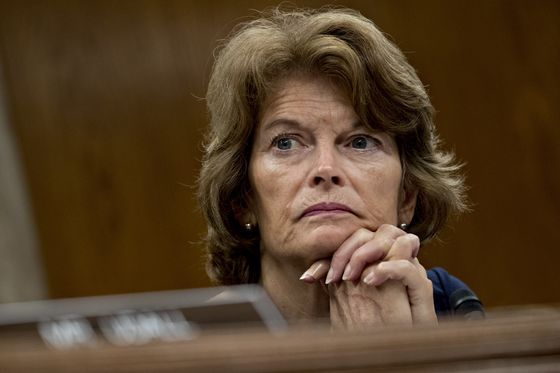 Trump Takes Aim at Murkowski by Endorsing GOP Primary Challenger