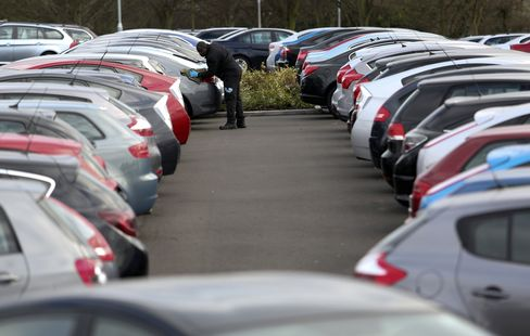 Europe Car Sales Post First Gain in 19 Months on Germany Rebound