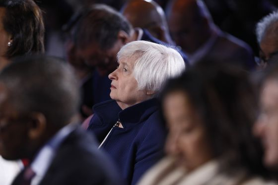 Yellen to Forge Economic Comeback as Biden's Treasury Pick