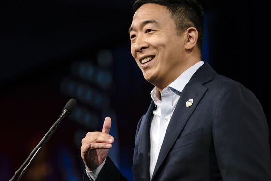 Andrew Yang Starts NYC Mayoral Run With Guaranteed-Income Pledge