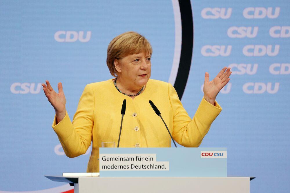Merkel Has Failed to Close the Gender Gap in German Politics - Bloomberg