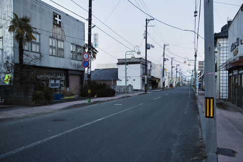 A deserted street in Tomioka.