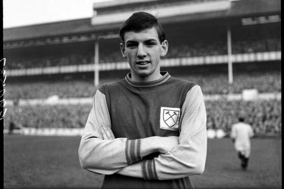 Martin Peters, England 1966 Soccer World Cup Winner, Diesat 76