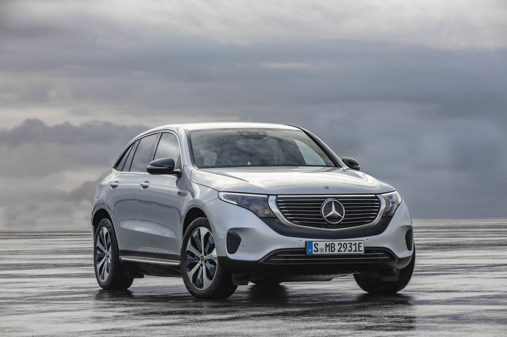 A First Look At The New Electric Car From Mercedes Eqc 400 Suv