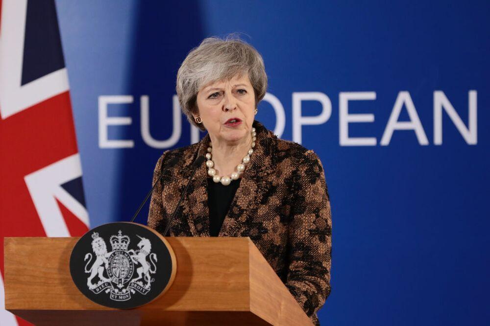 Οι καθυστερήσεις της Theresa May κάνουν το Brexit χειρότερο