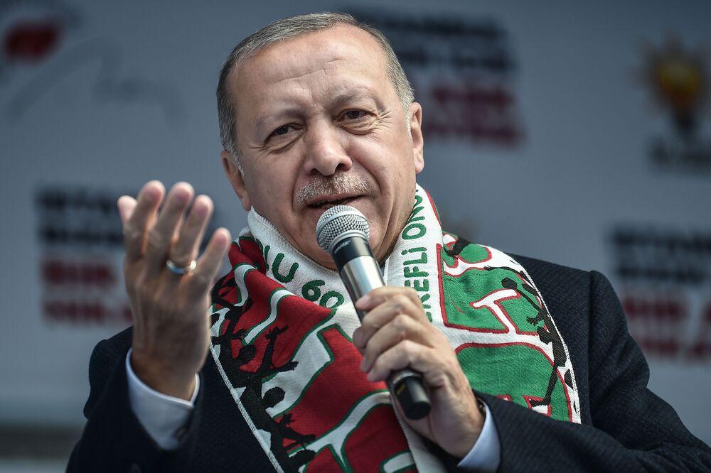 Το στραβοπάτημα του Ερντογάν στις εκλογές δημιουργεί προβλήματα στη λίρα