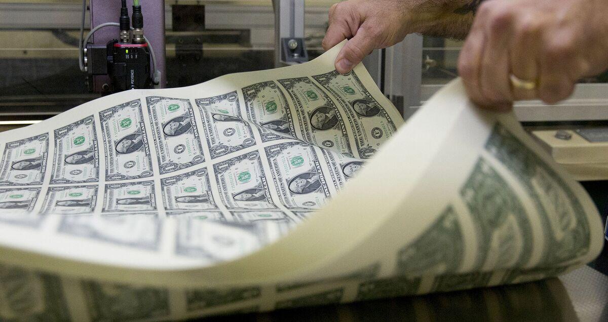 U.S. Government Records $160.3 Billion April Surplus
