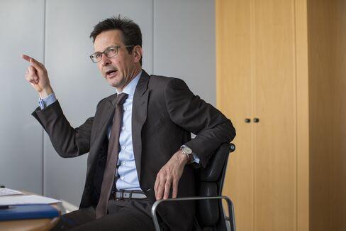 Bernhard Guenther speaks in Essen.