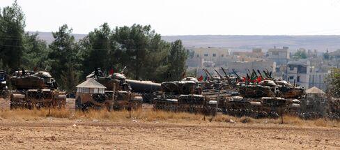 Turkey Deploys Tanks on Hills Overlooking Syria Amid Tensions
