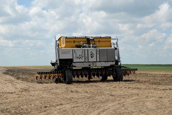 Robots Take the Wheel as Autonomous Farm Machines Hit Fields