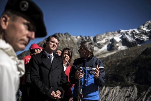 "French Prime Minister Manuel Valls visits the ""Mer de Glace"", a glacier located on the northern slopes of the Mont Blanc massif."