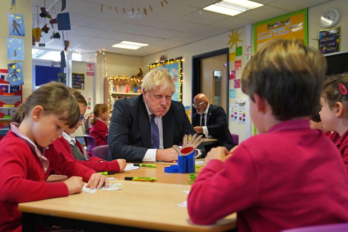 Boris Johnson's Believers Ignore the U.K.'s Mounting Problems