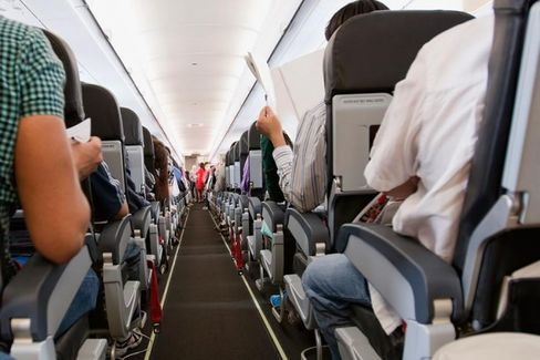 Summer Air Travel Will Be Hot, Crowded ... and Affordable?