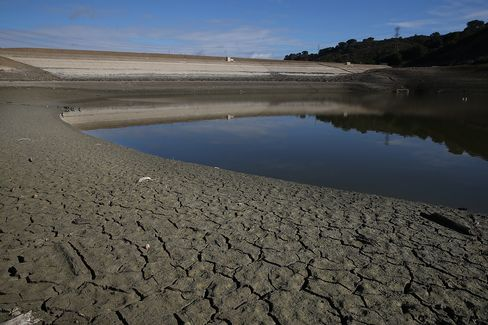 California's Drought Raises Stakes for $15 Billion Water Tunnels