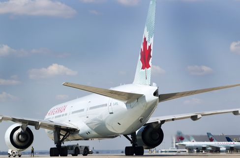 Air Canada Labor Fight Spills Over Onto Fliers