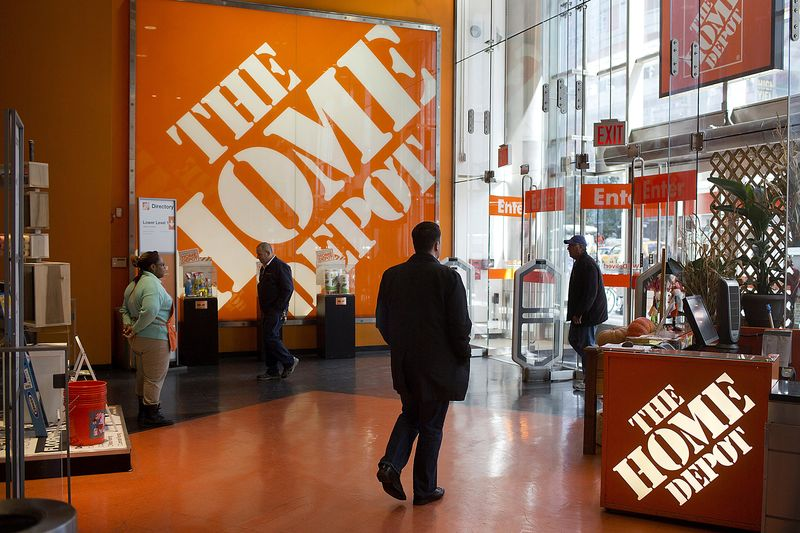 How Home Depot Plans to Turn Spring Into Christmas - Bloomberg