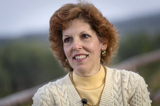 Fed's Mester Says U.S. Must Do More to Promote Economic Equality