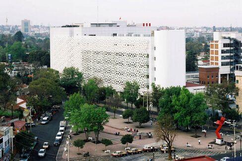 A Building Designed to Eat Smog