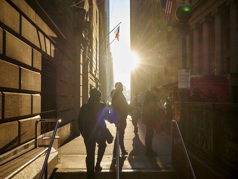 Views Of Wall Street As Stocks Extend Losses
