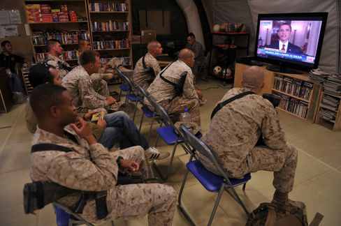 U.S. Troops Watch Obama's Announcement