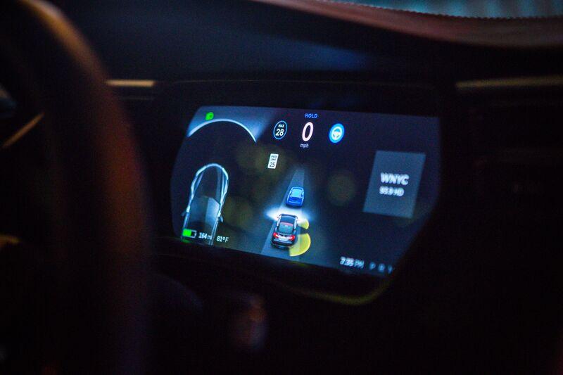 Tesla Keeps Using Disputed Crash Stat to Defend Autopilot