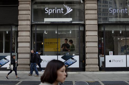 Sprint Reshuffles Sales Organization With Exit of Two Executives