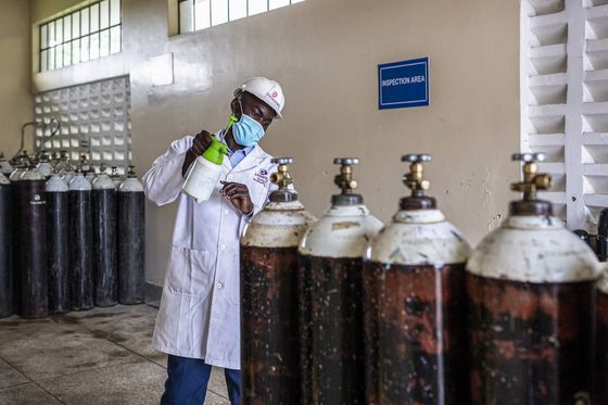 How a 'Milkman Model'Supplies African Hospitals With Cheaper Oxygen