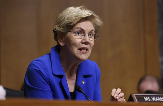Warren Signals Powell Skepticism by Blasting Fed on Bank Rules