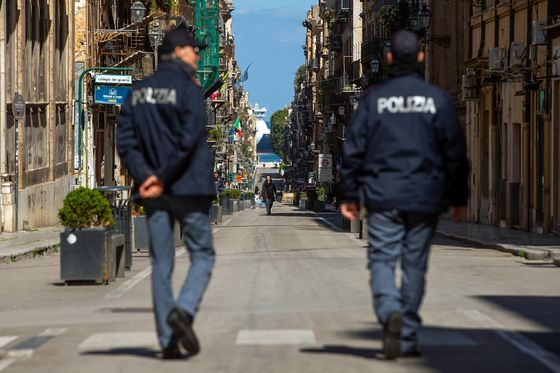 Italy Looking for Exit From Lockdown's Economic Cul-de-Sac