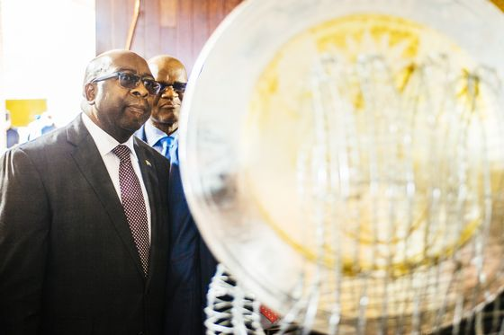 South Africa's Nene Opposes Bid to Force Him to Suspend PIC CEO
