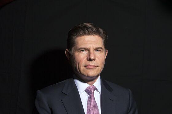 Hong Kong Exchange Names JPMorgan's Aguzin New CEO