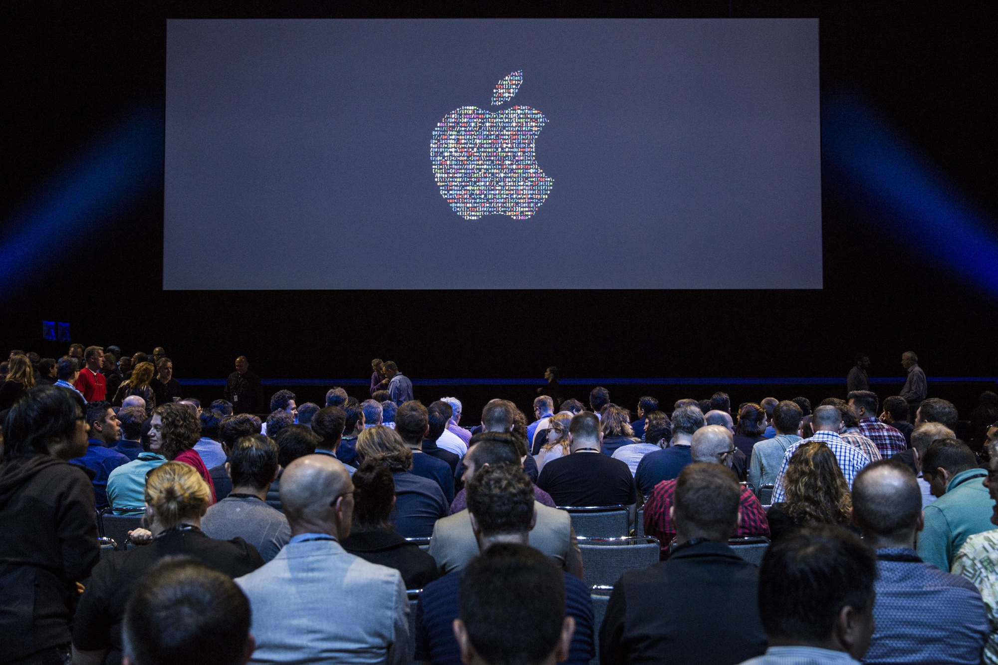 bloomberg.com - Shira Ovide - Apple's Growth Depends on Androids