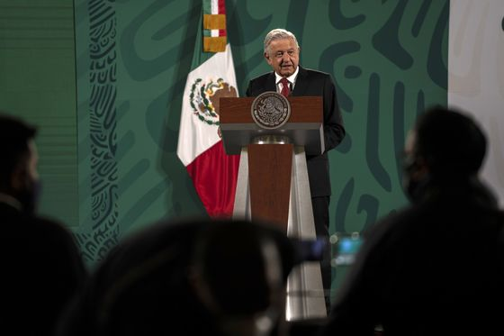AMLO Presses Opposition to Back Mexico's Nationalist Power Bill