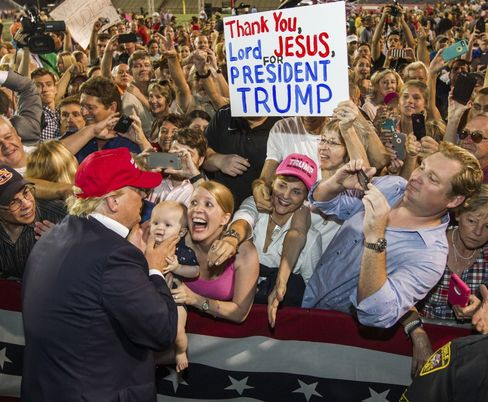 Trump meets his fans after the rally.