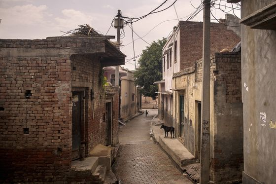 'Entire Families' Wiped Out by Covid's Carnage in Rural India