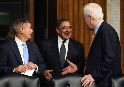 Graham Demands Panetta Testify on Libya Before a Hagel Vote