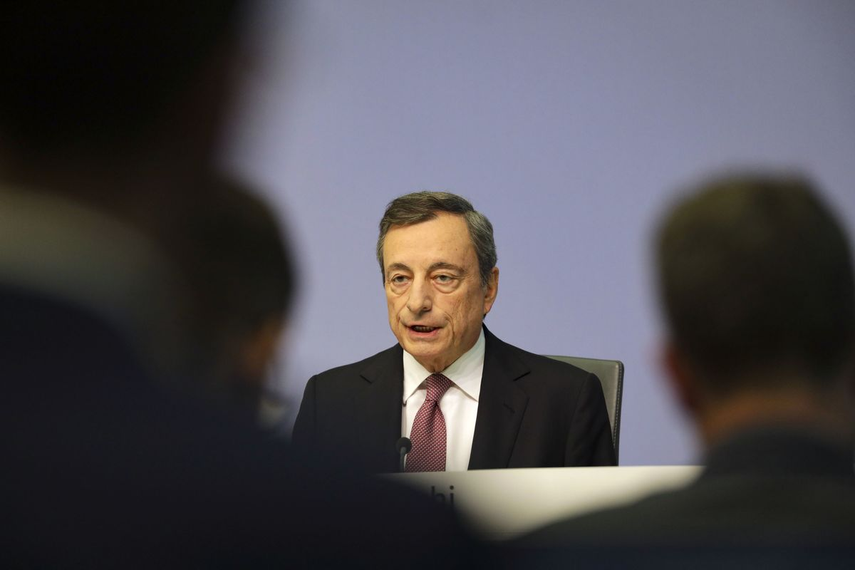 Draghi Hits Back at Deutsche Bank's Blasting of Negative Rates