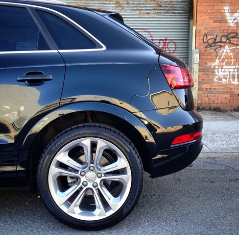 A power liftgate and front and rear fog-lights are optional, as are the 19-inch rims.
