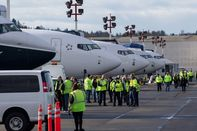 1319_BUSINESS_BOEING_05-CMS
