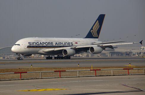 Singapore Airlines Checks A380s After Cracks Found